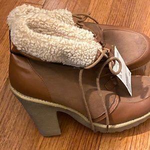 H&M fur bootie boots/heels